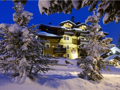 hotel 5 etoile le cheval blanc courchevel. Black Bedroom Furniture Sets. Home Design Ideas