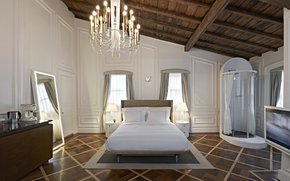 the house hotel galatasaray l h tel chic et arty d istanbul koming up. Black Bedroom Furniture Sets. Home Design Ideas