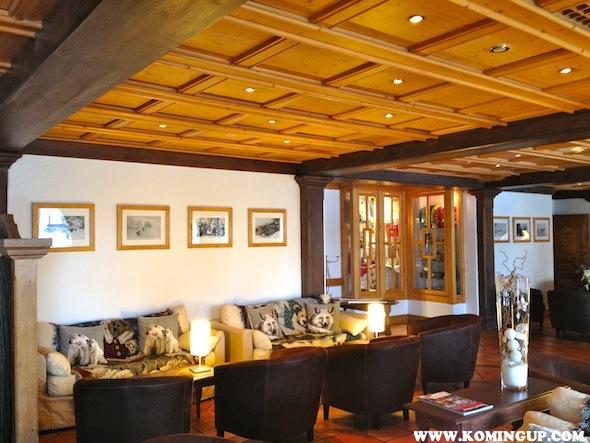 HOTEL SAINT MARTIN SALON LOBBY SAINT MARTIN DE BELLEVILLE BY KOMINGUP