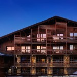 M Megeve facade nuit by Suite Privee