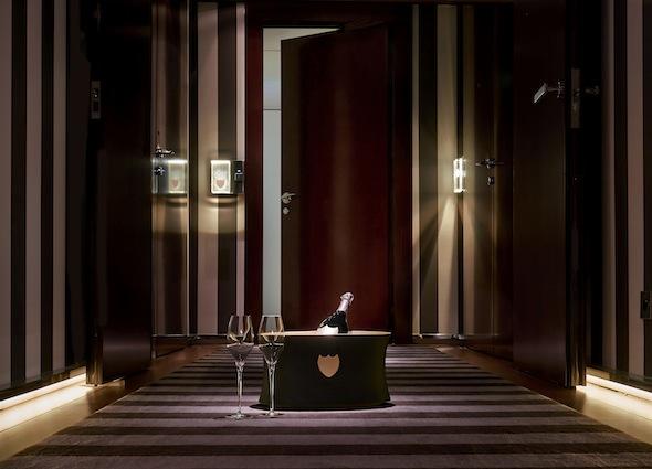 Suite ephemere dom perignon royal monceau by koming up