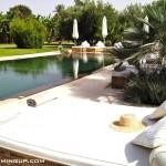 Les 5 djellabas hotel et lodge palmeraie marrakech sun beds pool by koming up