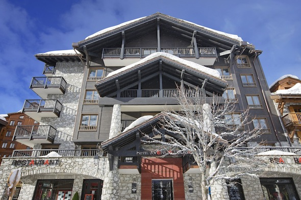 Avenue Lodge Hotel Val d'Isere facade by komingup