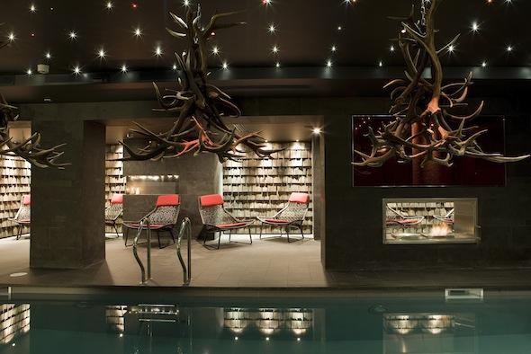 l h tel 5 l avenue lodge val d is re inaugure un spa esthederm koming up. Black Bedroom Furniture Sets. Home Design Ideas
