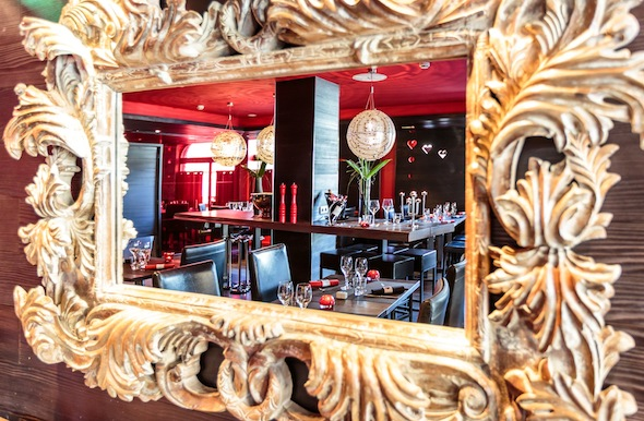 Avenue Lodge Hotel Val d'isere 4_Restaurant 7 by komingup