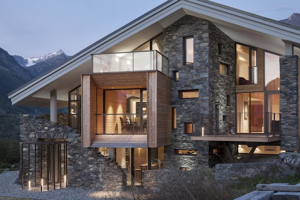 Mineral lodge un nouveau chalet au luxe contemporain sur le domaine des arcs paradiski koming up for Chalet design contemporain