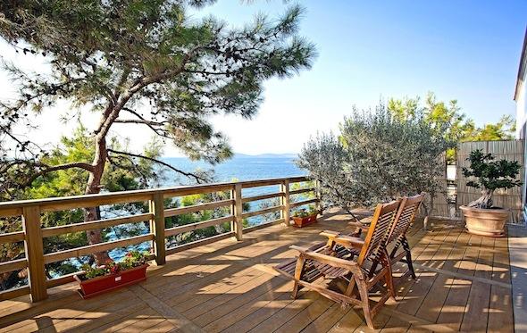 Sarpedor-Boutique-Hotel-&-Spa-Bodrum-Turquie-terrasse-privee-vue-mer-Junior-Suite KomingUP