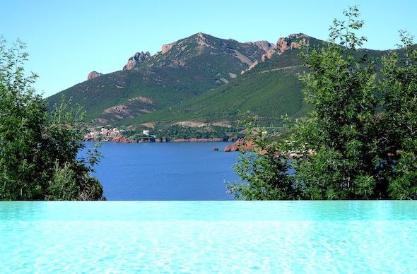 Tiara-Yaktsa-Boutique-hotel-&-spa-5*-Theoule-sur-mer-Cannes-France-Vue Mer & Piscine by komingup