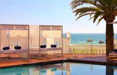 Bela-Vista-Hotel-et-Spa-Praia-da-rocha-portimao-algarve-portugal-pool-by-KomingUP-une