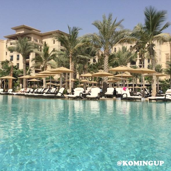 Four-Seasons-Resort-Dubai-Jumeirah-beach-lagoon-pool-2
