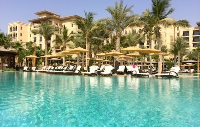 Four-Seasons-Resort-Dubai-Jumeirah-beach-lagoon-pool