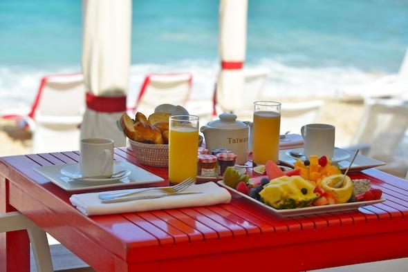 Hotel Taïwana Saint Barthélémy Caraïbes Breakfast by KomingUP blog dernieres tendances du voyage