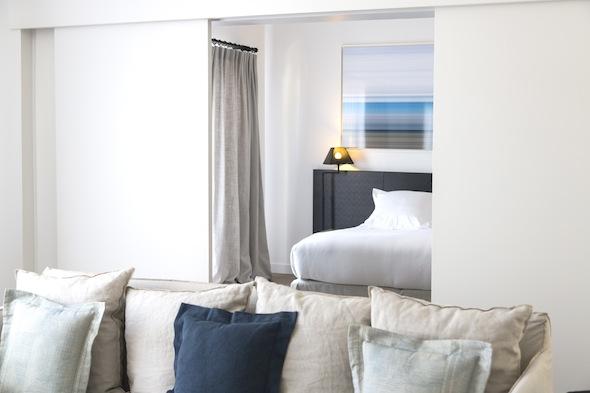 Hotel Taïwana Saint Barthélémy Caraïbes Chambre 1 Salon - Chambre by KomingUP blog dernieres tendances du voyage