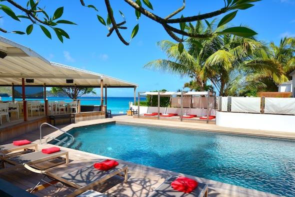 Hotel Taïwana Saint Barthélémy Caraïbes piscine by KomingUP blog dernieres tendances du voyage
