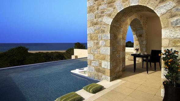 The-Westin-Hotel-&-Resort-Costa-Navarino-Grece-GuestRooms-PremiumInfinitySuite-Pool-By-Koming-UP