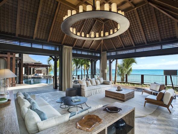 St-Regis-Mauritius-Peninsule-du-Morne-Hotel-de-luxe-Ile-Maurice-The St Regis Villa Formal Lounge -by Koming-UP.