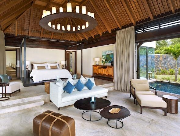 St-Regis-Mauritius-Peninsule-du-Morne-Hotel-de-luxe-Ile-Maurice-The St Regis Villa Master Bedroom -by Koming-UP.