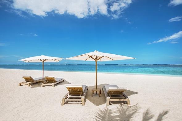 St-Regis-Mauritius-Peninsule-du-Morne-Hotel-de-luxe-Ile-Maurice-plage-privee -by Koming-UP.