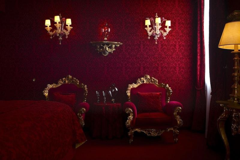 Ca Maria Adele Venise Boutique Hotel de Luxe suite rouge by komingup