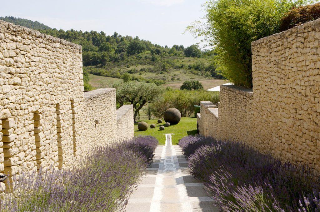 Domaine des Andeols Maisons d'hôtes de luxe Luberon Andeols Paysage 2