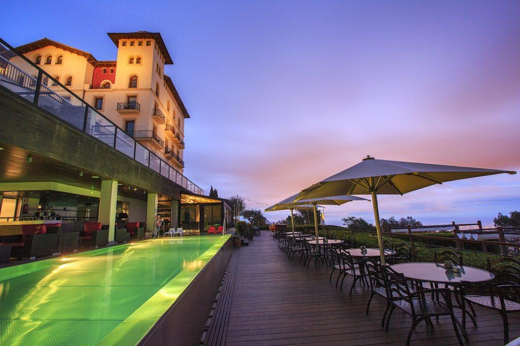 Gran Hotel La Florida 5* luxe Barcelone terrasse le soir