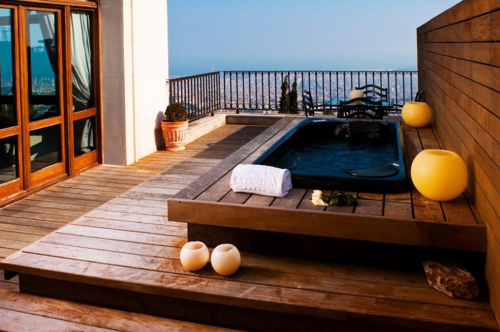 Gran Hotel la Florida Barcelone Private-Jacuzzi-with-view