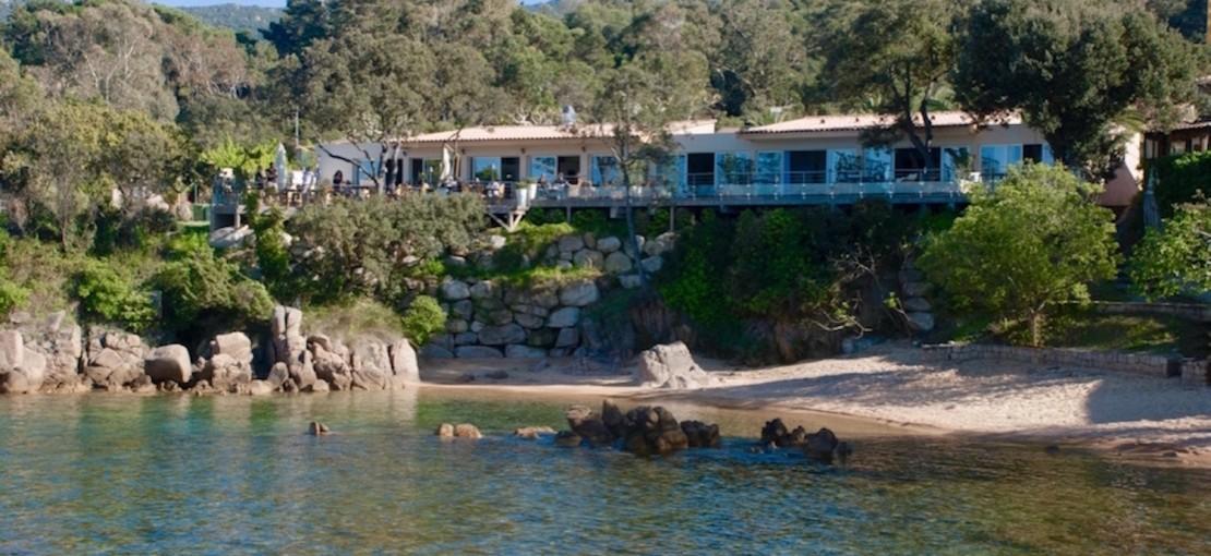 Cala-Verghia-maison-hôtes-de-luxe-ajaccio-corse-vue-de-la-mer