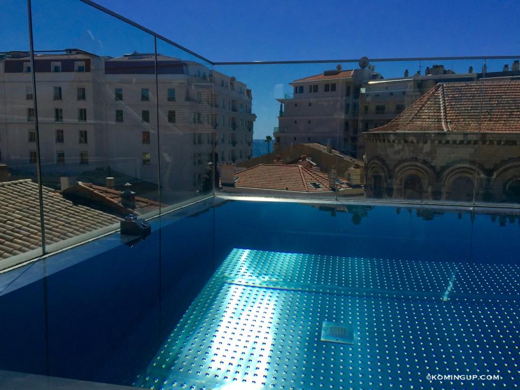 Five-Seas-Hotel-Cannes-hotel-5-etoiles-centre-de-cannes-piscine-a-debordement-sur-le-toit
