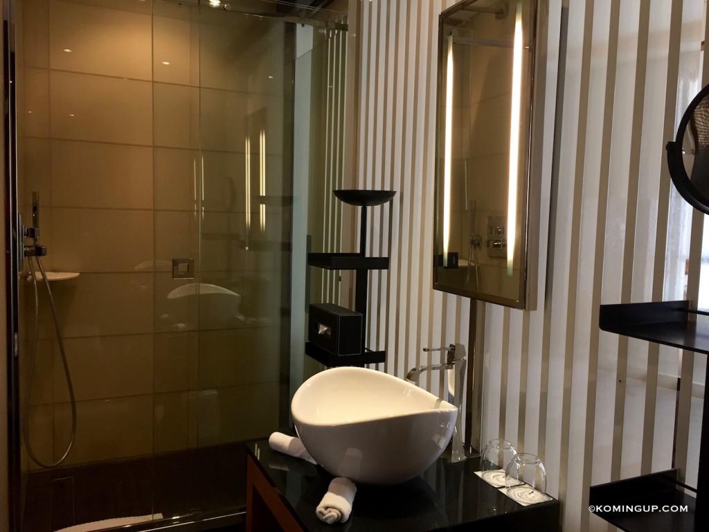 Five-Seas-Hotel-Cannes-hotel-5-etoiles-centre-de-cannes-salle-de-bains-chambre-executive