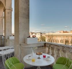 Grand-Hotel-Palace-cinq-etoiles-rome-terrasse-petit-dejeuner