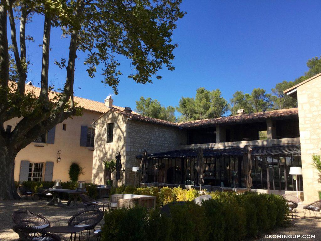 le-domaine-de-manville-hotel-cinq-etoiles-les-baux-de-provence-bar