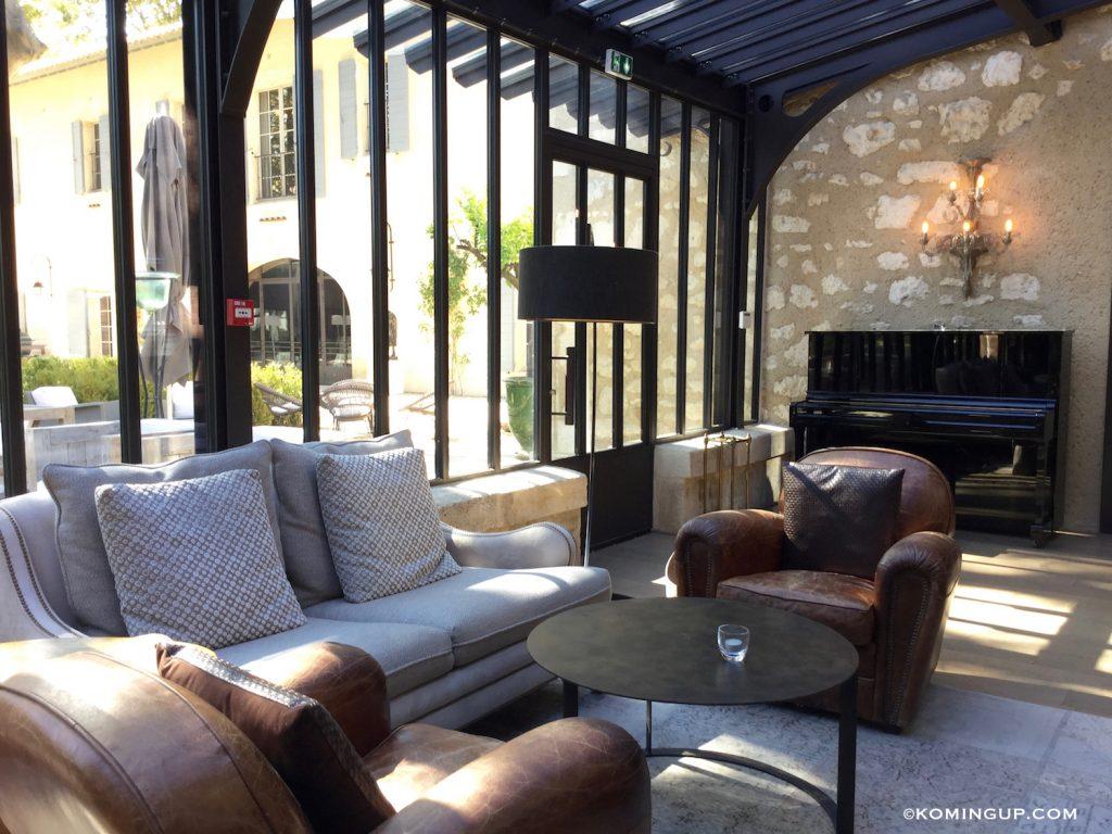 le-domaine-de-manville-hotel-cinq-etoiles-les-baux-de-provence-bar-lounge