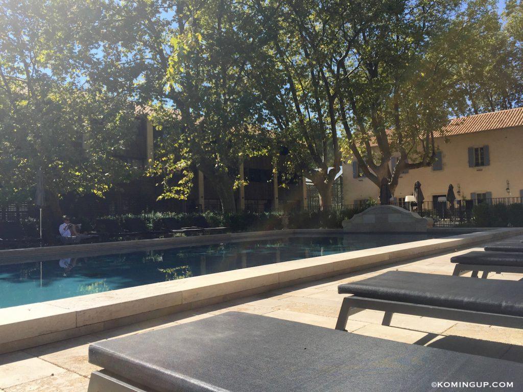 le-domaine-de-manville-hotel-cinq-etoiles-les-baux-de-provence-outdoor-pool