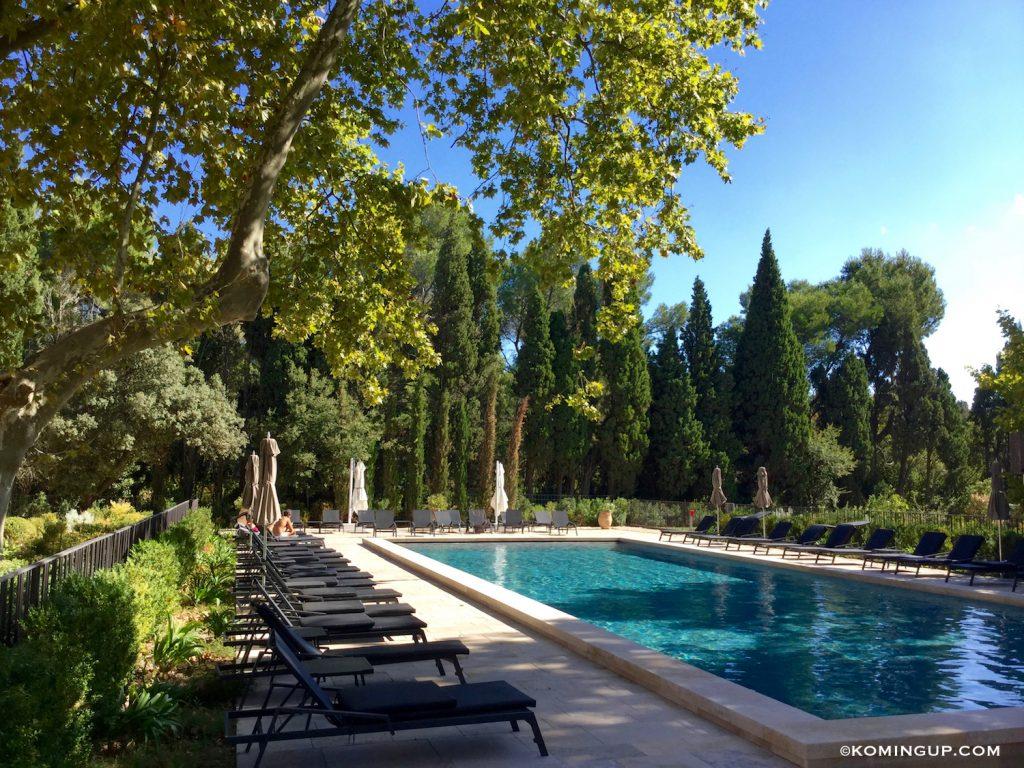 le-domaine-de-manville-hotel-cinq-etoiles-les-baux-de-provence-piscine-2