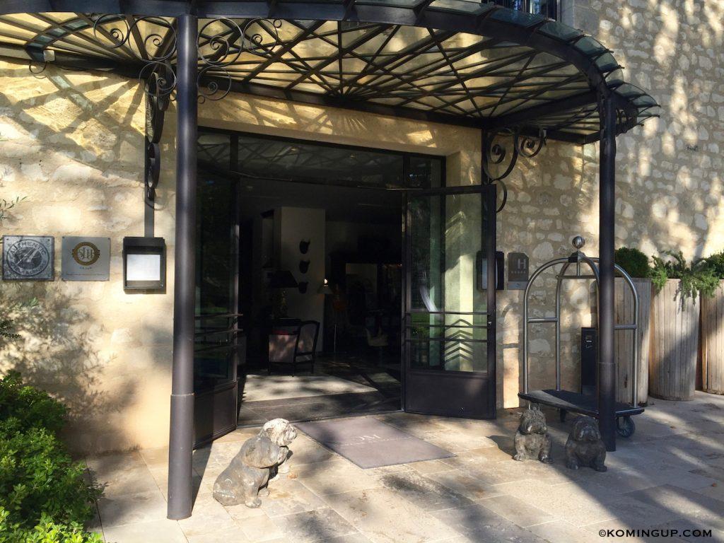le-domaine-de-manville-hotel-cinq-etoiles-les-baux-de-provence-reception