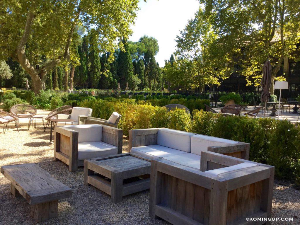 le-domaine-de-manville-hotel-cinq-etoiles-les-baux-de-provence-terrasse-bar