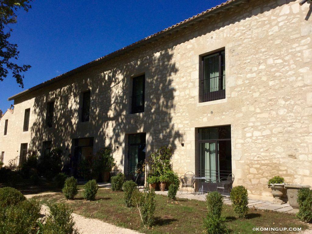 le-domaine-de-manville-hotel-cinq-etoiles-les-baux-de-provence-terrasses-des-chambres-executives-et-suites