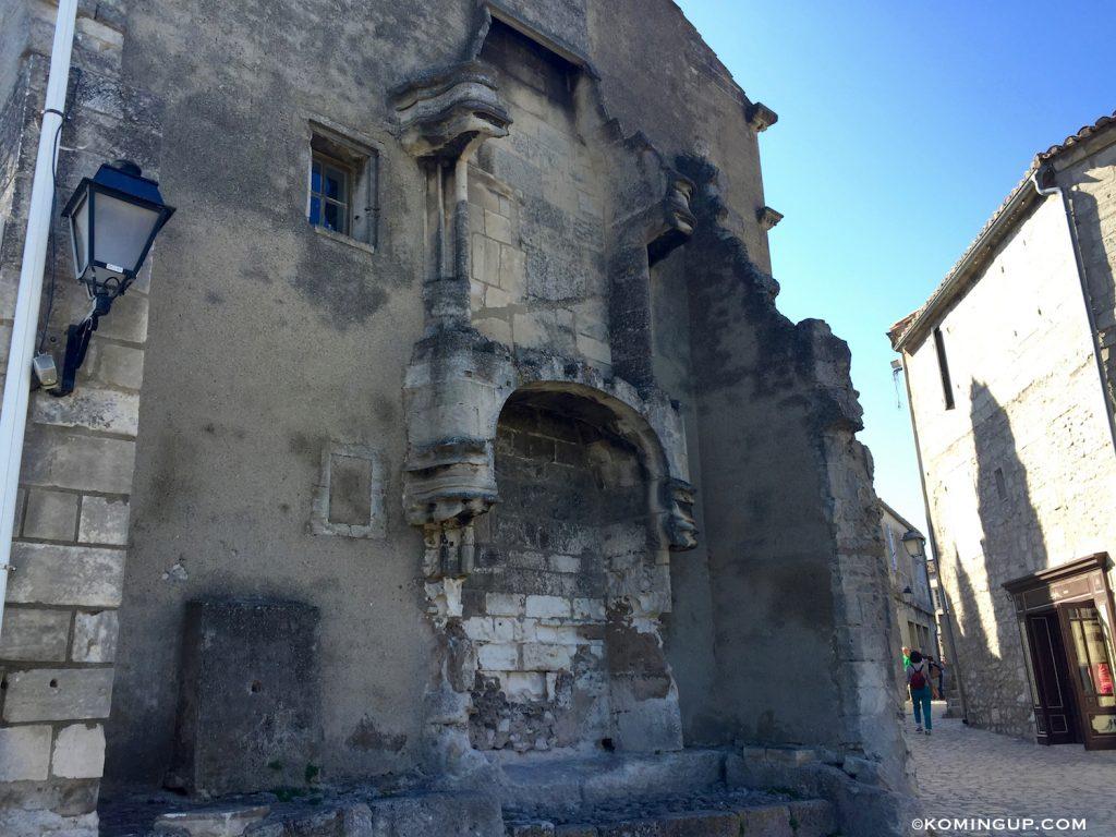 les-baux-de-provence-entree-du-village-2