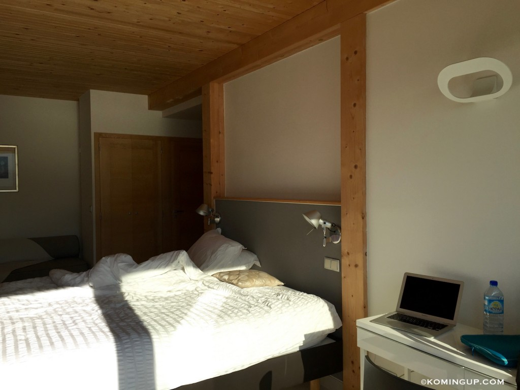 Maison-hôtes-de-luxe-la-turquoise-egaree-bourget-du-lac-chambre-bureau