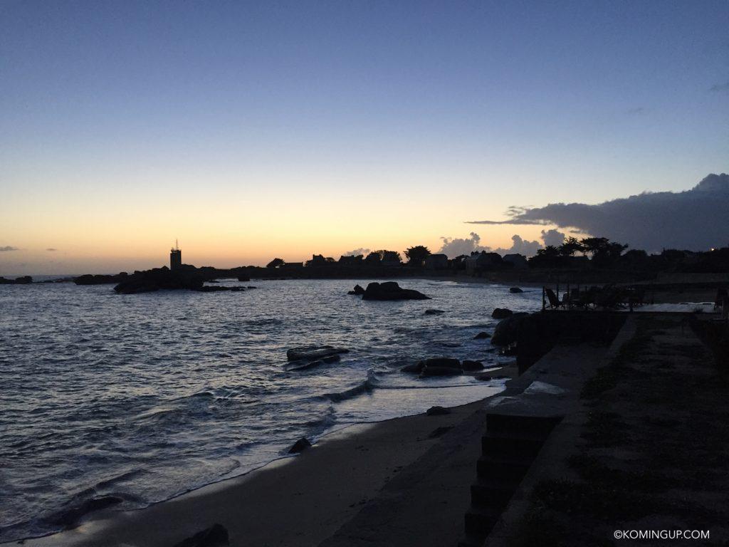hotel-de-la-mer-brignogan-plage-cote-des-legendes-finistere-nord-bretagne-coucher-de-soleil