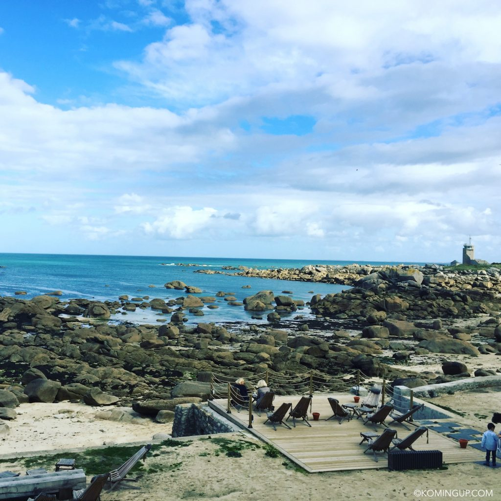 hotel-de-la-mer-brignogan-plage-cote-des-legendes-finistere-nord-bretagne-terrasse-vue-mer
