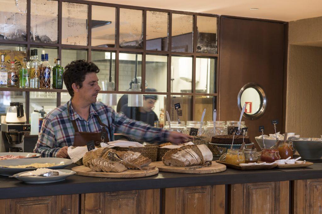 alma-lusa-baixa-chiado-boutique-hotel-lisbonne-buffet-petit-dejeuner