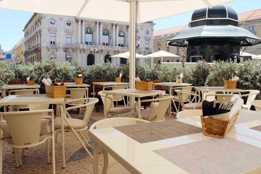 alma-lusa-boutique-hotel-lisbonne-restaurant-terrace-exterieur