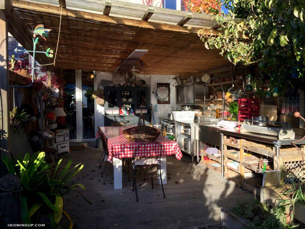 maison-ho%cc%82tes-hote-antique-brignogan-plage-cuisine-ete