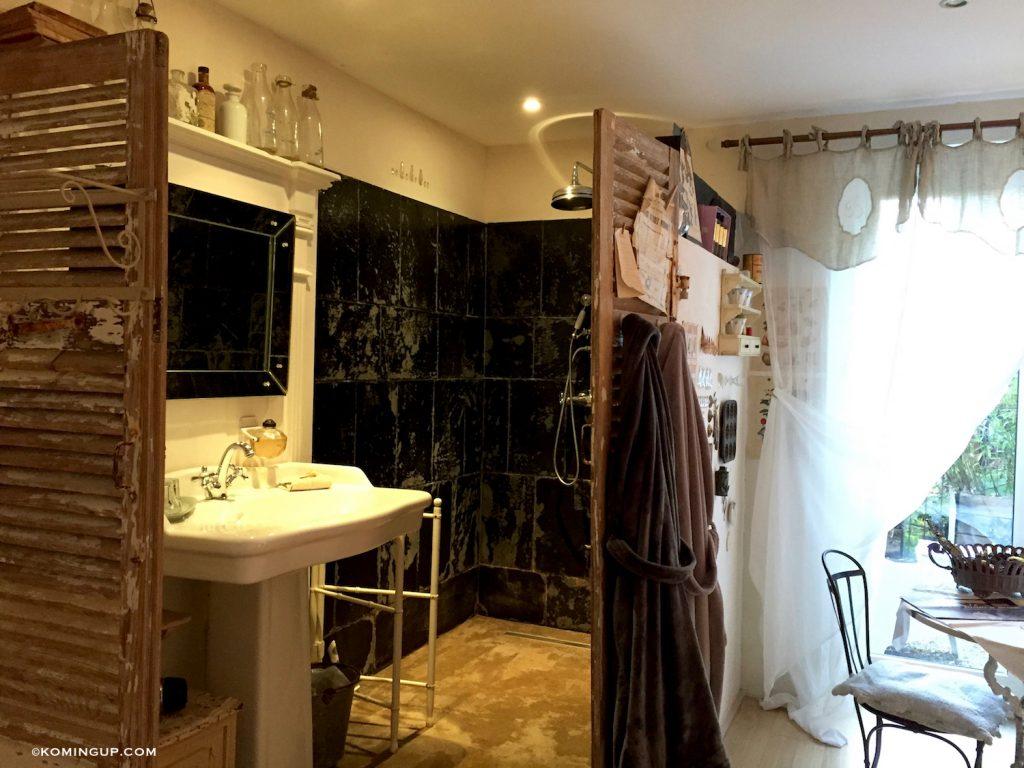 maison-ho%cc%82tes-hote-antique-brignogan-plage-sdb-chambre