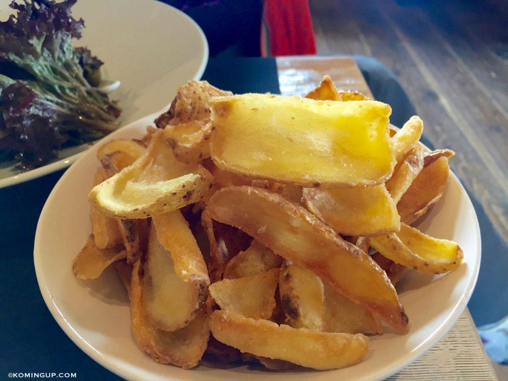 le-chalet-de-la-marine-val-thorens-restaurant-daltitude-frites-maison