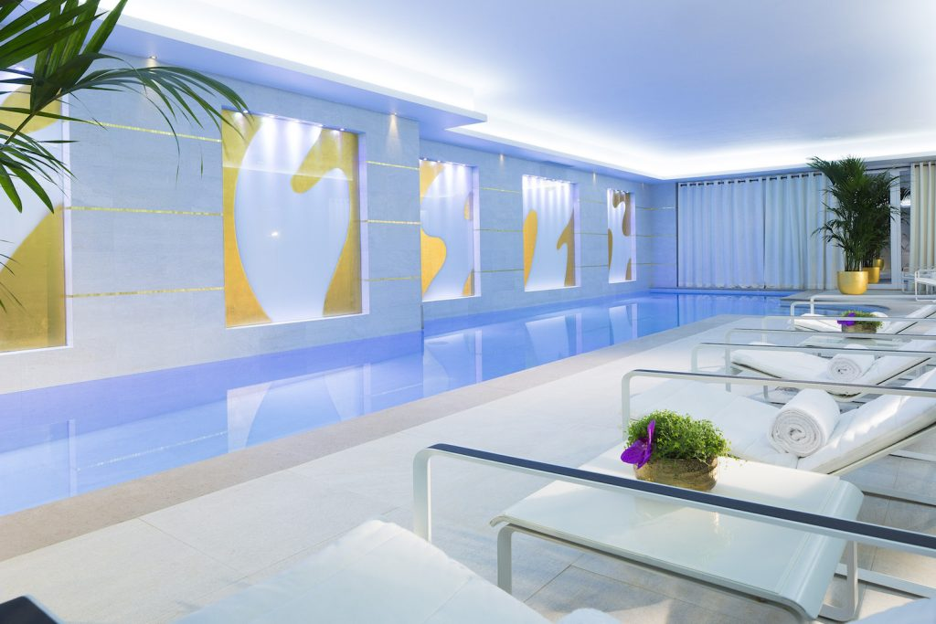 burgundy-hotel-5-place-vendome-paris-piscine-interieure-spa