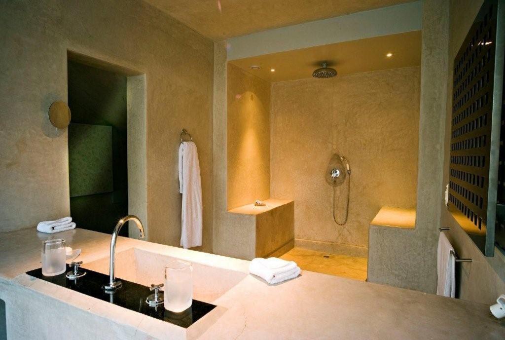 dar-sabra-marrakech-palmeraie-chambre-nomade-zen-salle-de-bain